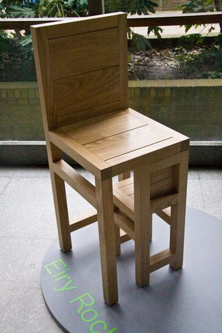 Eiry_rock_pivoting_chair_in