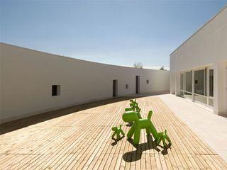 Ponzano_school_exterior_2
