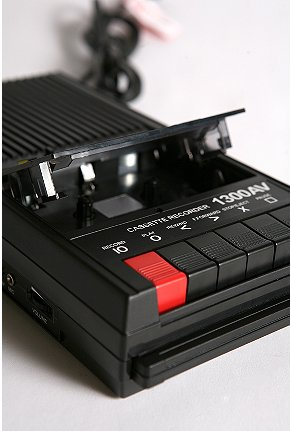 Cassette_player_and_recorder_f