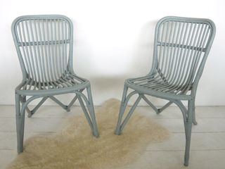 Bianca_and_family_chairs