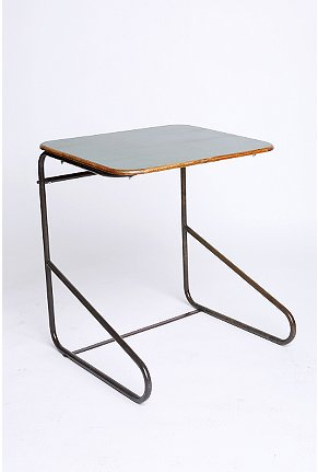 Urban_outfitters_desk