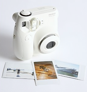 Fuji_instax_instant_camera