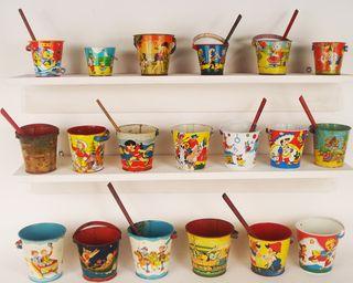 Vintage_beach_pails