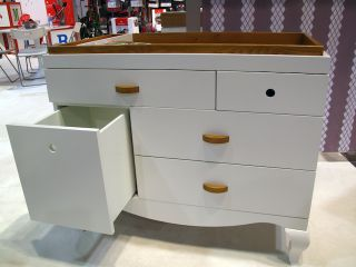 Netto_louis_changing_table