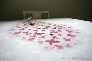 Underfull_tablecloth_kristine_bjaadal_