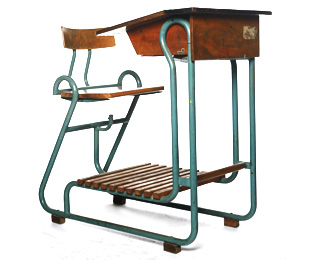 Teachers_desk_neef_1940