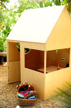 Modern_playhouse_outdoor_2