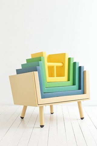 01_Stacking_Throne_2011-02-17_500x1000