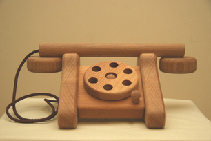 Wooden_rotary_phone