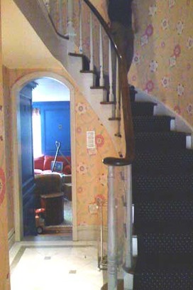 Minor_details_staircase_before